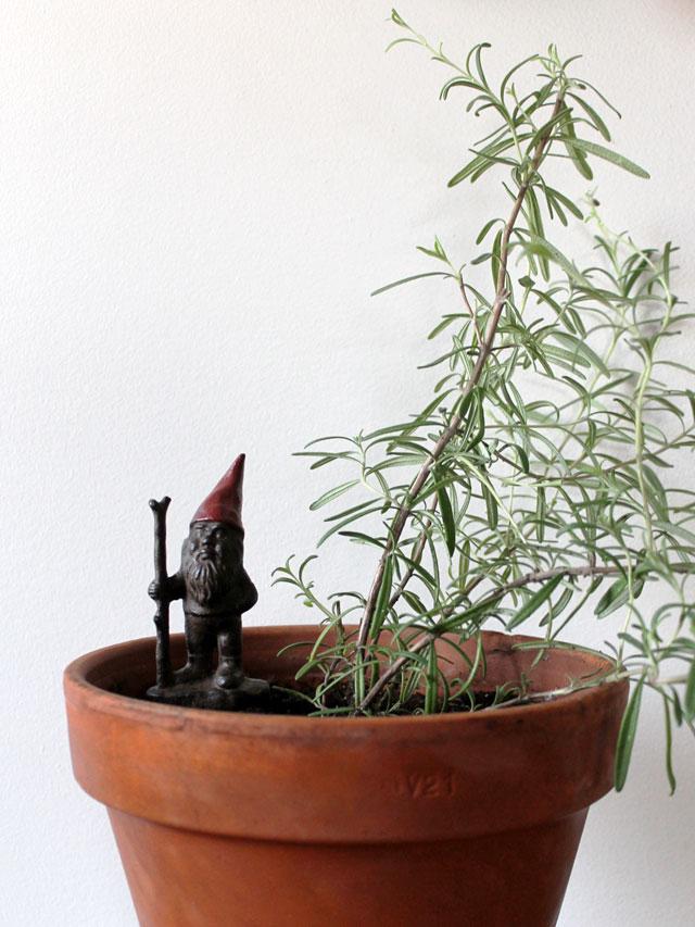 cast-iron-gnome-for-house-plant