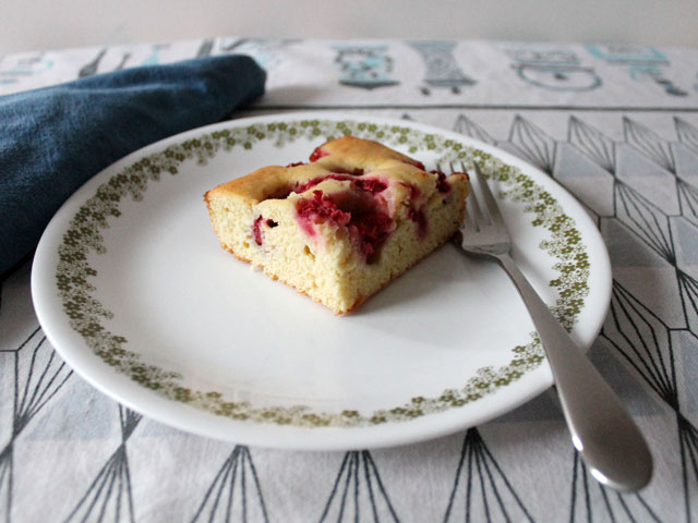 czech-bubble-cake-bublanina-with-raspberries-2