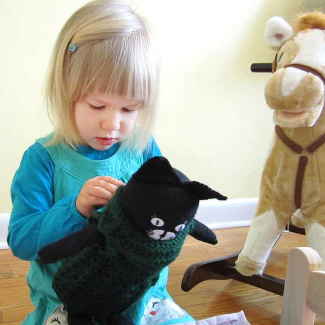 d with handmade cat toy 05