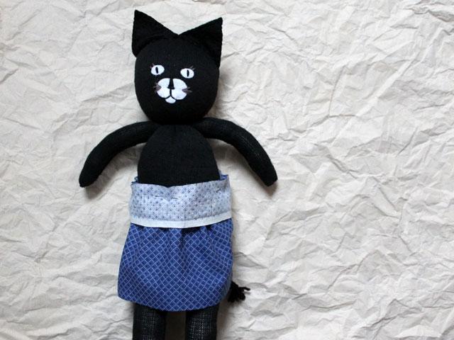 making bibbed skirt for handmade toy cat