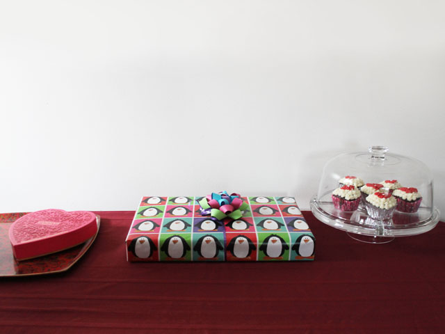 chocolates-gift-and-cupcakes