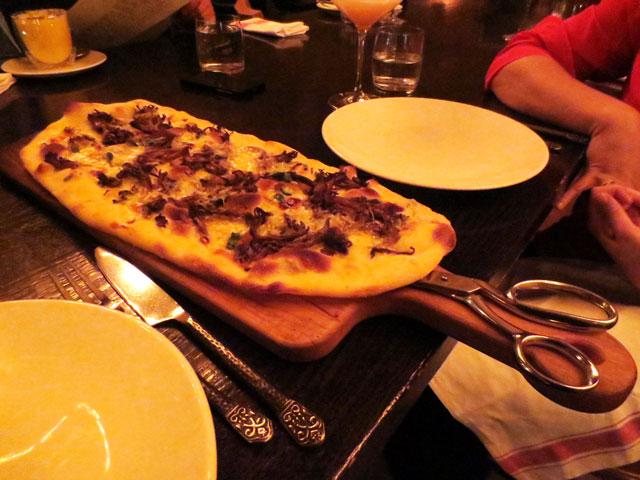 funghi-pizza-buca-restaurant-king-street-west-toronto