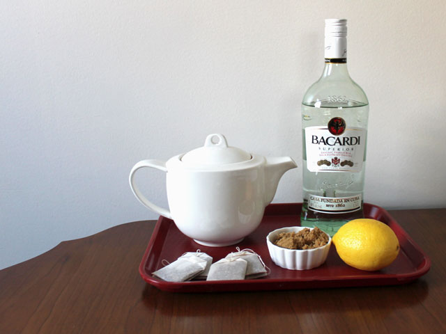ingredients to make hot tea cocktail with rum