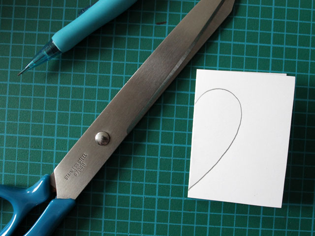 make a pattern for a paper heart