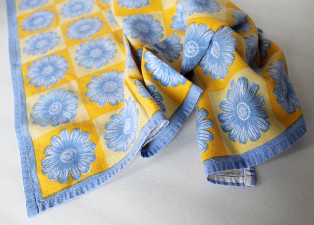 thrifted cotton tea towel kitchen towel 2