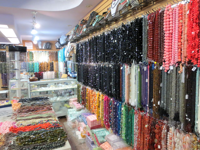beads-in-bling-bling-on-queen-street-west-toronto