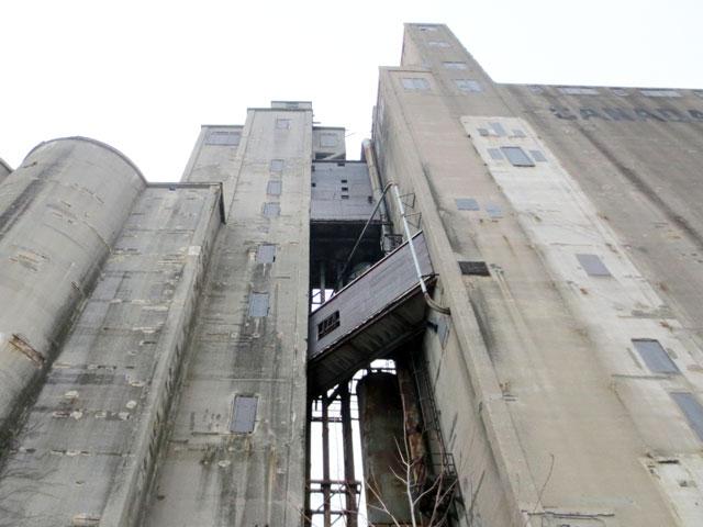 canada-malting-silos-bathurst-quay-toronto