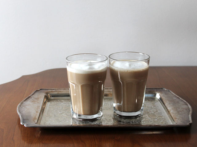 easy homemade lattes with cardamom