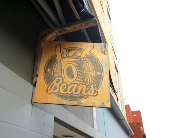 hot-beans-sign-kensington-market