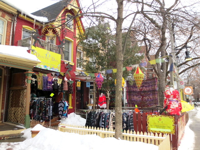 vintage-clothing-shop-in-the-winter-kensington-market-toronto-2