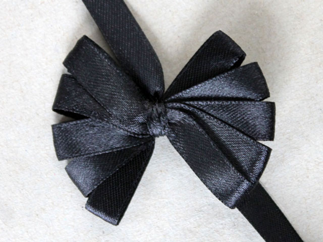 fan out ribbon petals