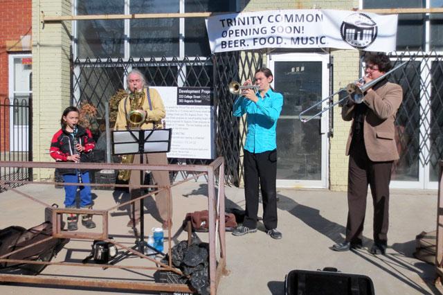musicians-in-kensington-market