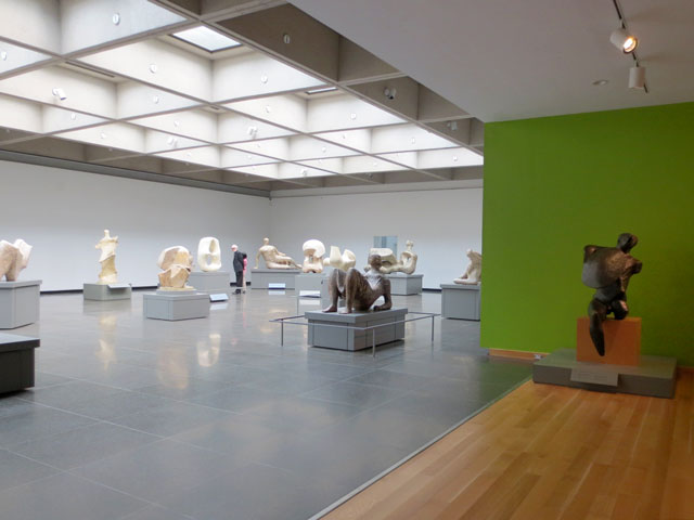 henry-moore-sculpture-room-at-ago-toronto