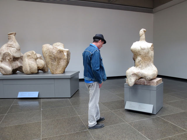 looking-at-henry-moore-sculptures