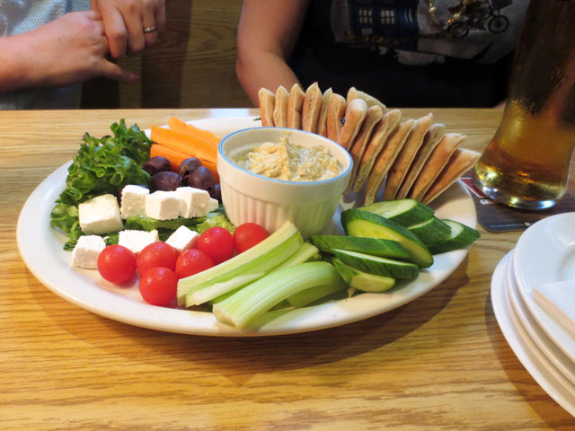 vegetable-and-hummus-platter-the-rex-toronto