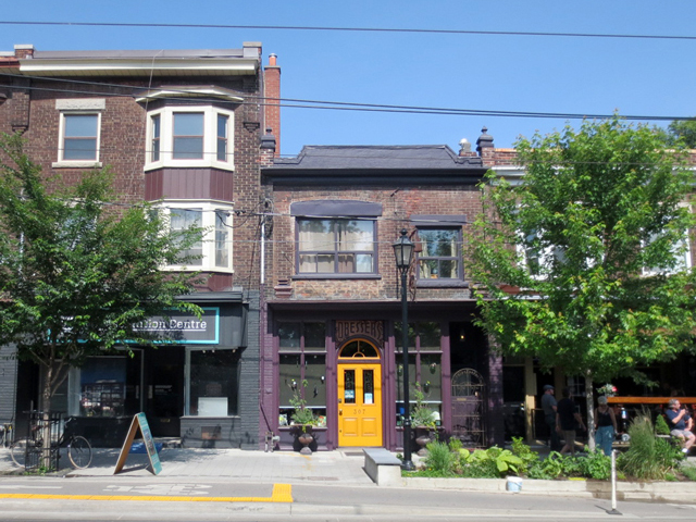 buildings-on-roncesvilles-avenue-toronto