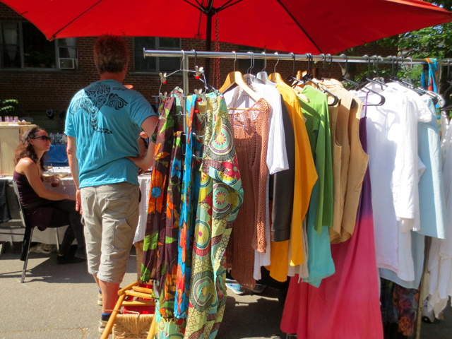 flea-market-on-roncesvalles-clothes