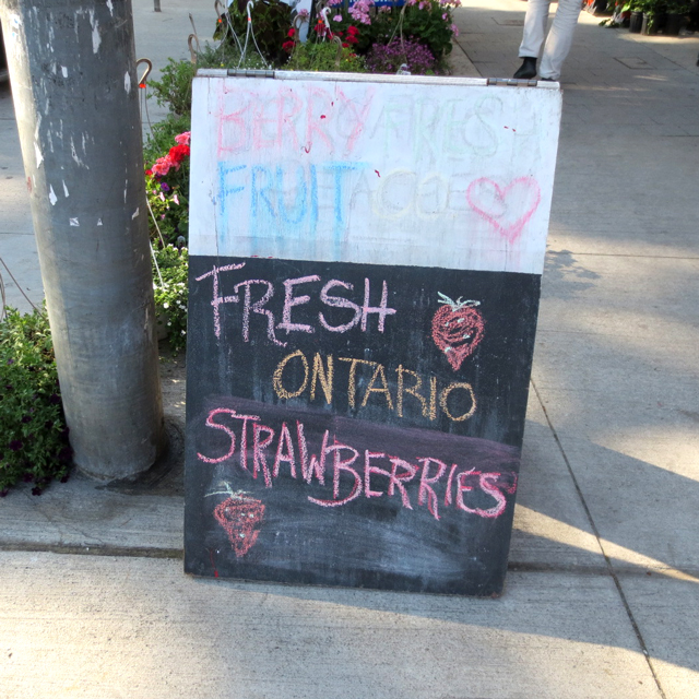 fresh-ontario-strawberries-sign