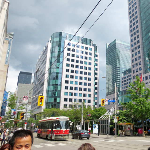 looking-east-at-king-street-west-and-john-street-toronto