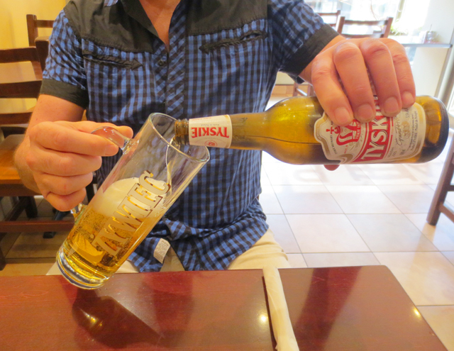 pouring-polish-beer-cafe-polonez-roncesvalles-avenue-toronto