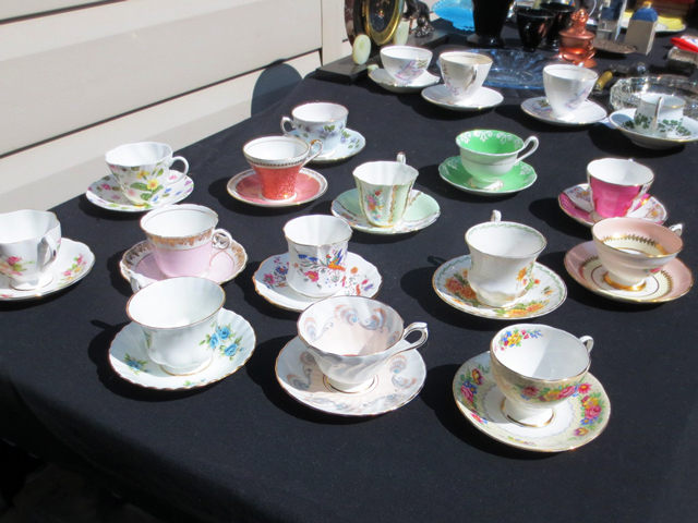 vintage-tea-cups-roncesvalles-flea-market