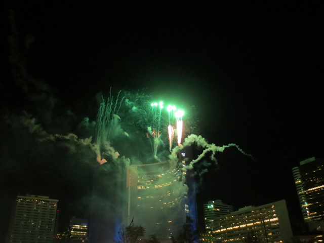 fireworks-at-toronto-city-hall-panamania