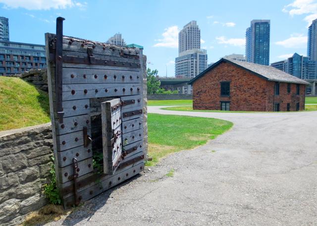 gate-to-fort-york-toronto