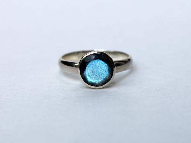 labradorite-and-silver-ring-by-blackiris-design