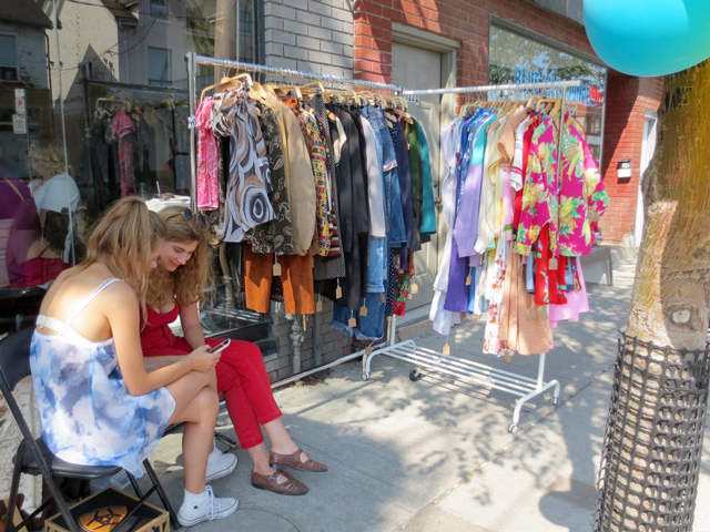 vintage-clothes-at-trinity-bellwoods-flea