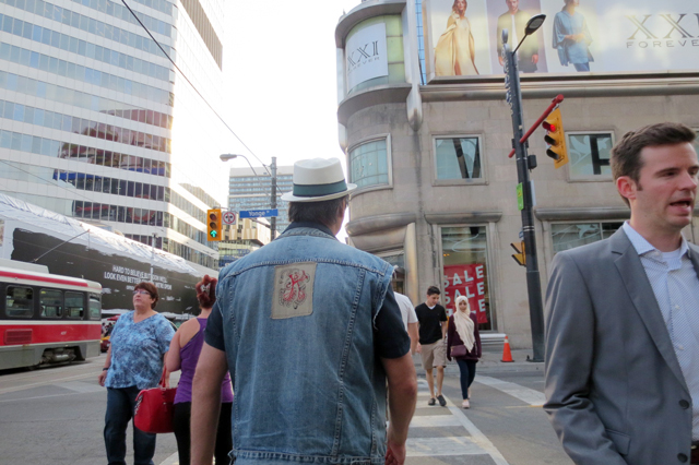 yonge-and-dundas-street-intersection-toronto