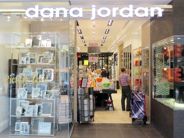 dana-jordan-shop-bayview-village-mall-toronto