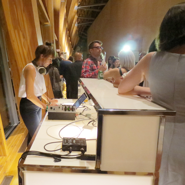 dj-vanessa-dunn-at-ago-first-thursdays-toronto-art-gallery