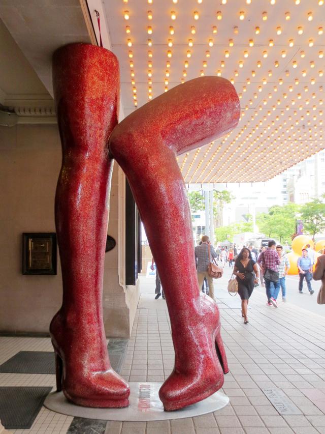 kinky-boots-sculpture-outside-royal-alexandra-theatre-toronto-king-street-west