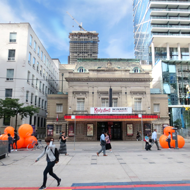 royal-alexandra-theatre-toronto-during-tiff-showing-kinky-boots