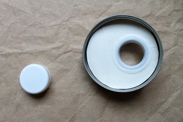 adding-a-pouring-spout-to-a-mason-jar