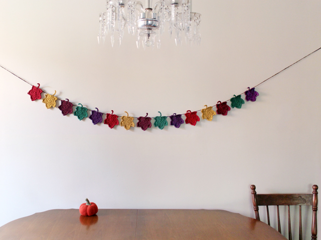 crocheted-autumn-garland-crochet-leaves-maple-leaf