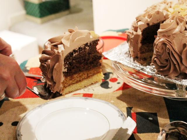 almond and caramel cake