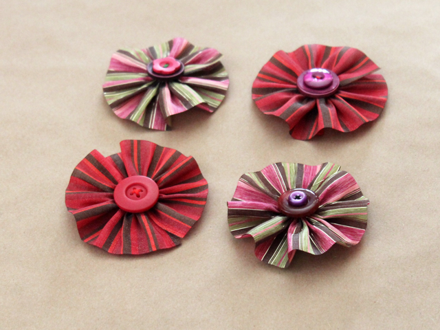 easy handmade gift toppers crafted with ribbon and buttons diy