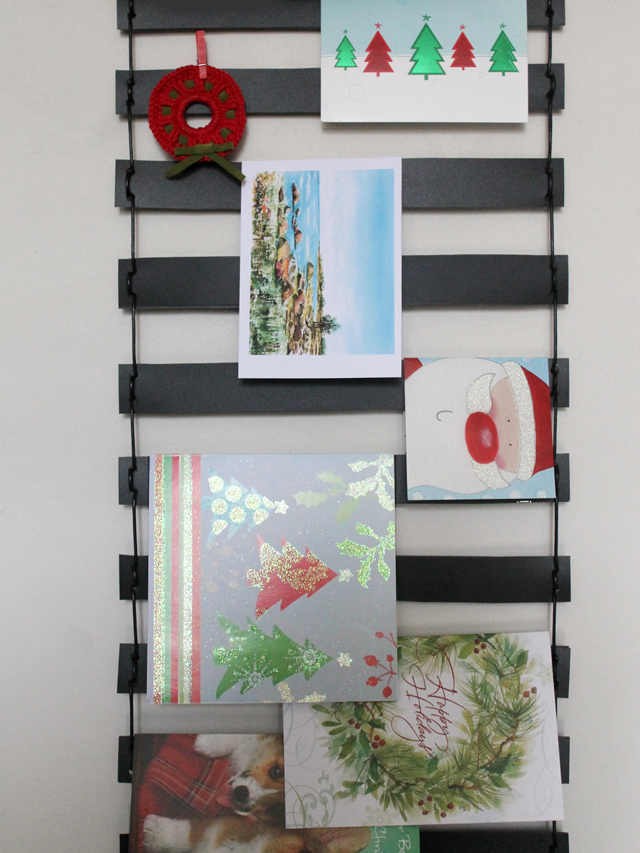 how to make a greeting card display wall hanging christmas diy