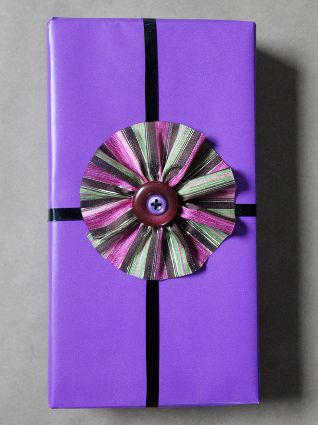 how to make gift decorations with ribbon and buttons diy gift wrapping