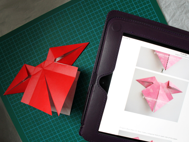 making-an-origami-bow-from-instructions-found-online