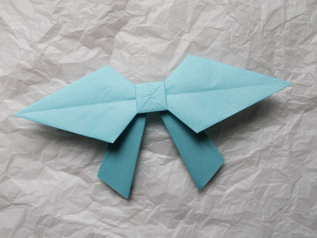 making an origami bow