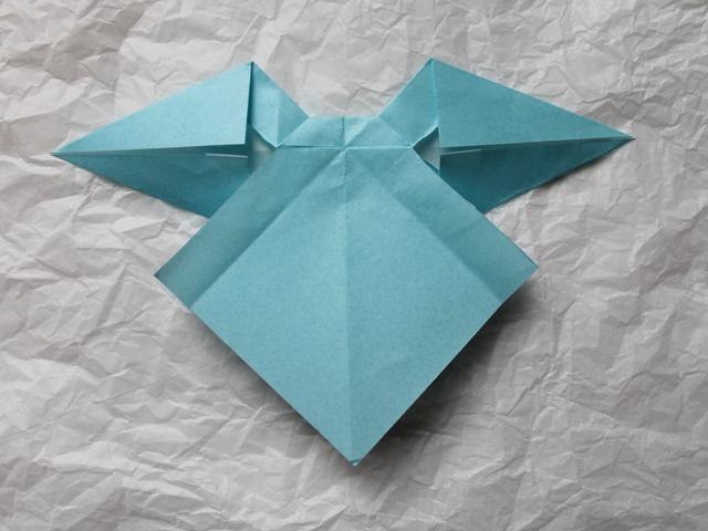 making origami bow backside