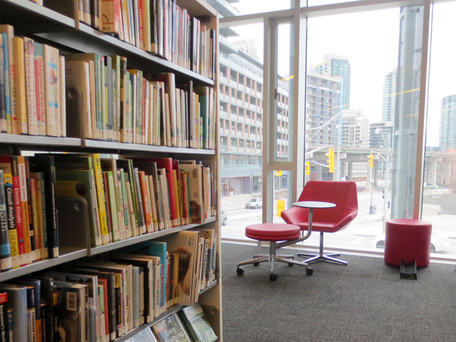 reading-space-in-toronto-public-library-fort-york-branch