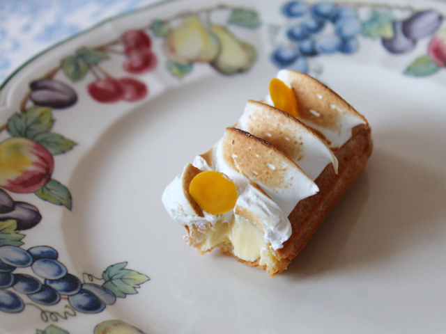 lemon meringue eclair from nugateau