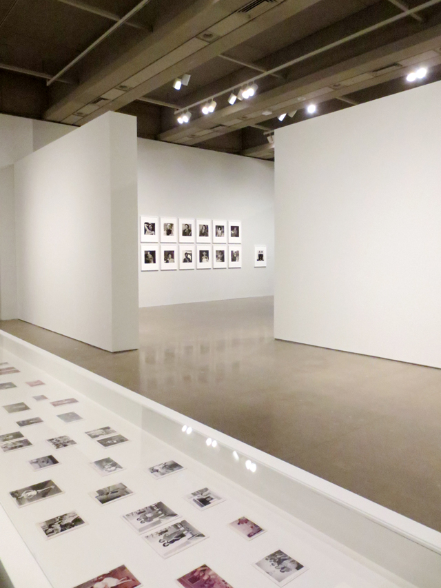 displays-at-ago-outsiders-american-photography-and-film-exhibit