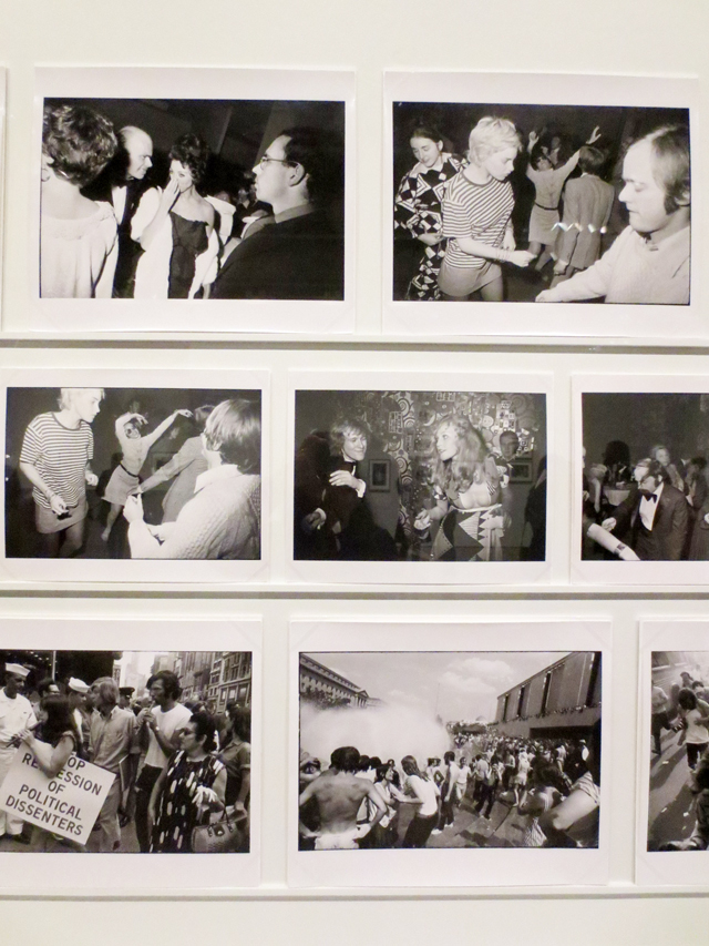 garry-winogrand-photographs-displayed-at-ago-outsiders-photography-exhibit-toronto-art-gallery-of-ontario