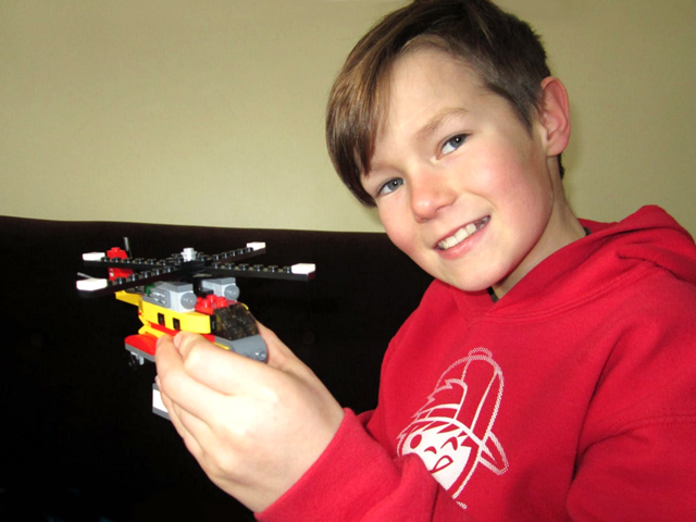 o-with-lego-helicopter