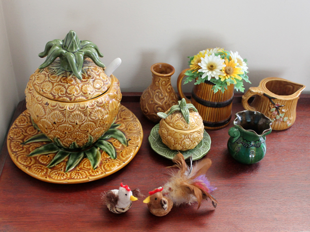 pineapple-and-matching-ceramics-decorated-for-easter