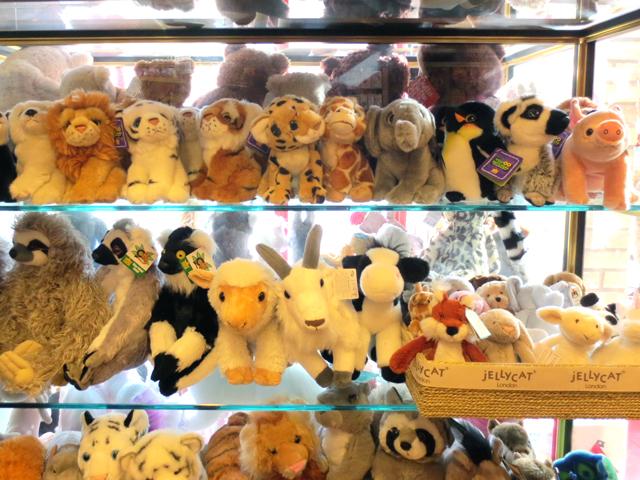 stuffed-toys-at-toy-terminal-toy-store-toronto